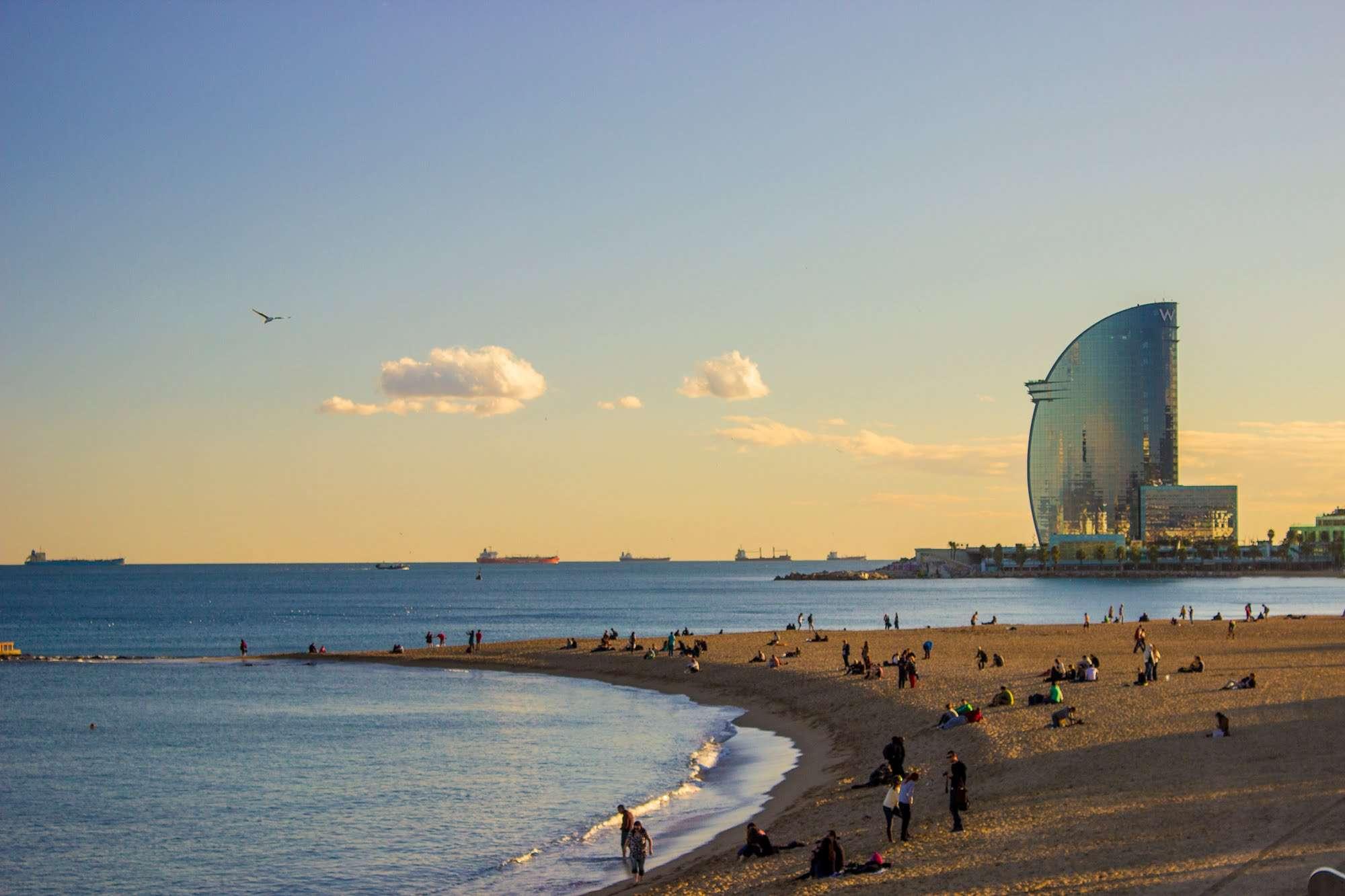 correr por la playa, barcelona.