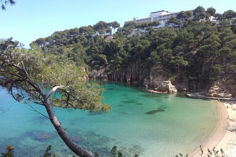 Playa de Aiguablava de Begur, mejores playas Barcelona. Aiguablava Beach, Begur. Best beaches Catalonia
