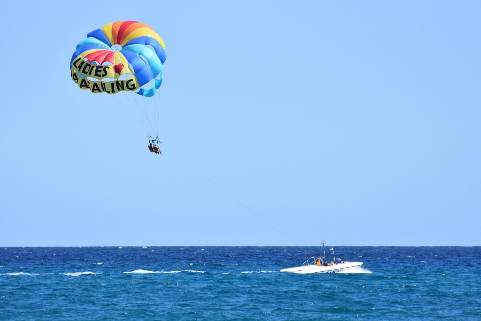 parasailing - Barcelona des del aire