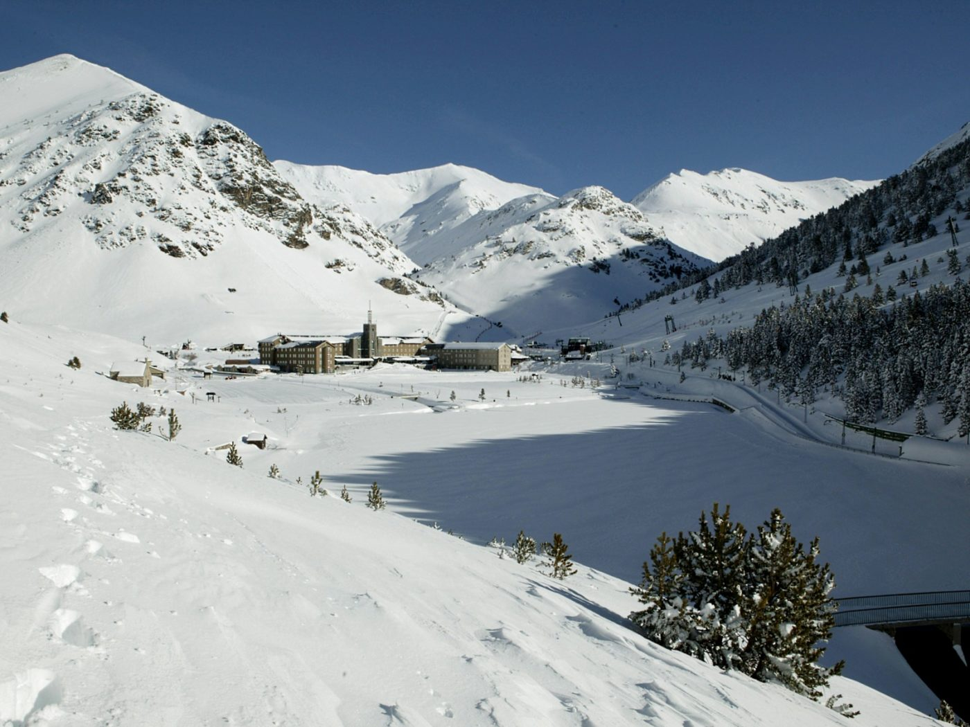 vall de nuria esquiar en Barcelona, ski in Barcelona