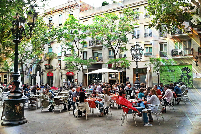 terraceo en Barcelona, bars outside in barcelona