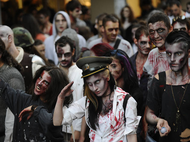 zombies walk barcelona
