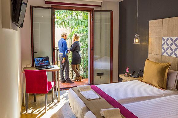 Habitacion_doble_balcon_sagrada_familia
