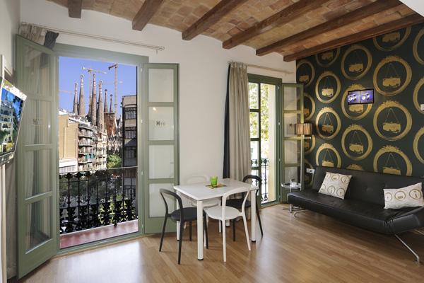 APART-SUITE HOSTEMPLO - Apartamento superior de 1 dormigtorio con balcón 2