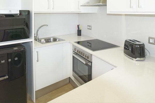 APART-SUITE HOSTEMPLO - Apartamento superior de 2 dormigtorio con balcón 4