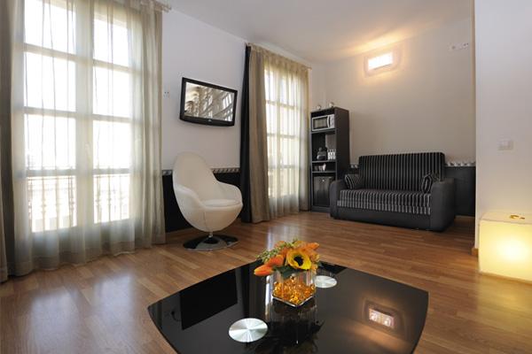 APART-SUITE HOSTEMPLO - Junior Suite con balcón 2