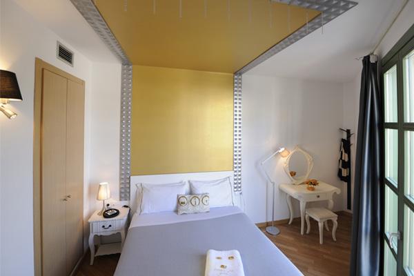 APART-SUITE HOSTEMPLO - Junior Suite con balcón 3