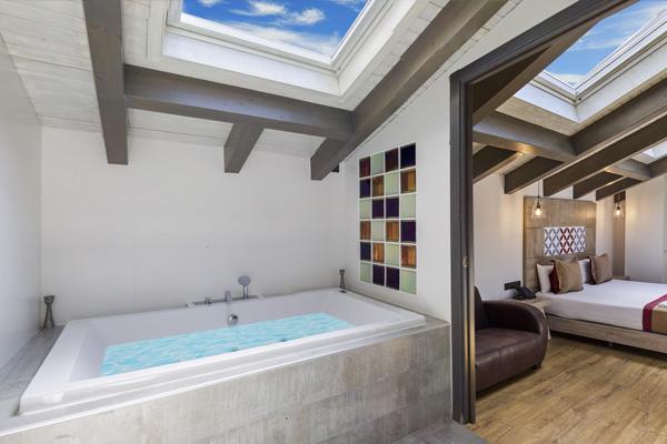 BOUTIQUE HOSTEMPLO - Habitación Deluxe con Jacuzzi 4