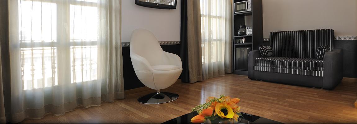 Apart-Suites Hostemplo - Suite Junior con balcón 2