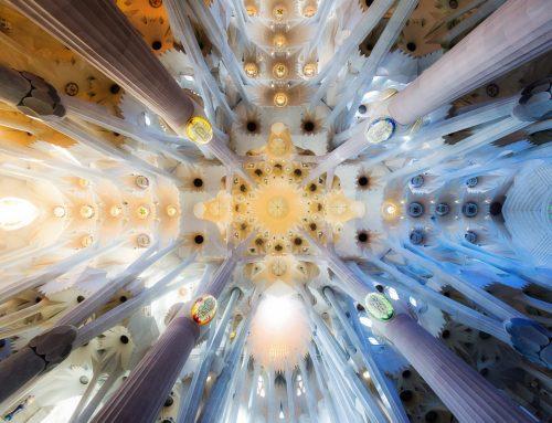 Visita las grandes obras de Gaudí desde tu casa