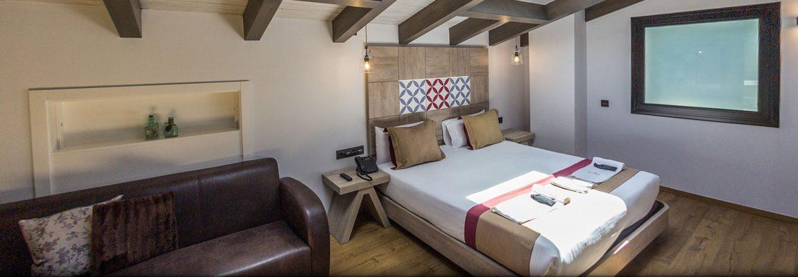 Hotel Boutique Hostemplo - Habitación Deluxe con Jacuzzi 4